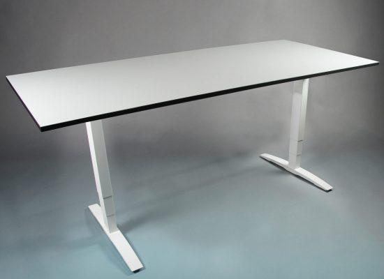 OMT frame met tafelblad - zit sta bureau - thuiswerk bureau